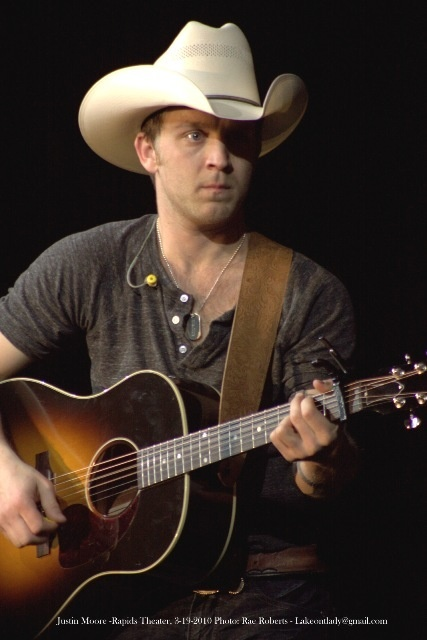Country music singers that masturbate