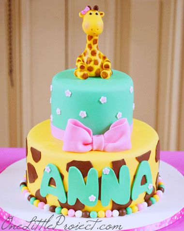 Giraffe Birthday Party – Another adorable first birthday party idea