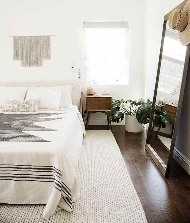 28 Morden And Minimalist Bedroom Decor Ideas Best Inspiration Ideas That You Want In 2020 Minimalist Apartment Decor Apartment Decorating Rental Minimalist Living Room Design