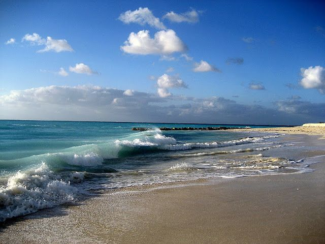 TOP WORLD TRAVEL DESTINATIONS: Grace Bay Beach, Turks and Caicos