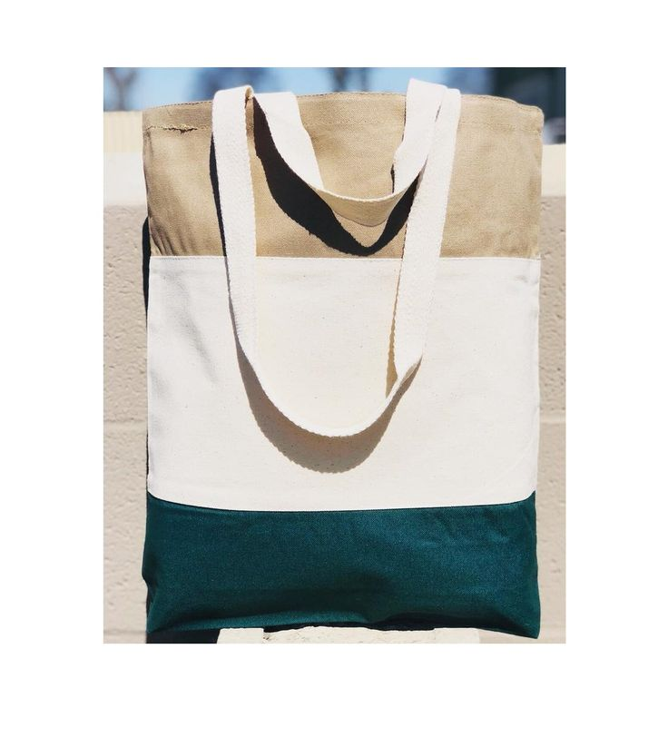 Seeking for bags to promote your incoming event? Try these fancy looking Heavy Canvas Tri-Color Tote Bags.