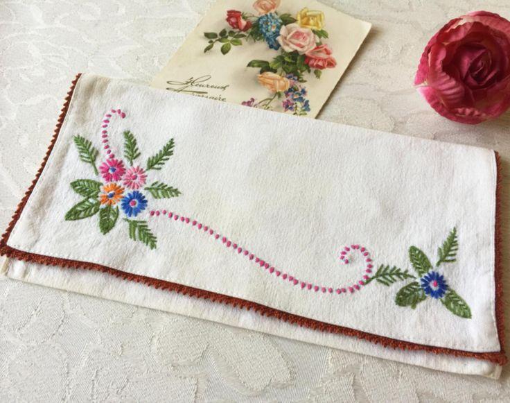 Floral Embroidered Napkin Holder, cottage napkin, floral, rustic napkin, embroidered, country napkin, Vintage French, kitchen napkin