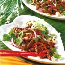 Thai beef salad with peanuts recipe | A delicious and healthy salad recipe
