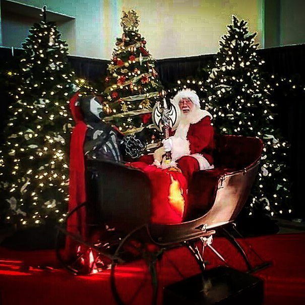 #cosplayer #cosplay #cosplaying #comiccon  #dragoncon #momocon #jimlee #badass #anime #spawn #imagecomics #great #amazing #videogameaddict #epic #santaclaus #comic #comics #geek #geeky #nerd #nerdy #dccomics #marvel #gamer  #games #gaminglife  Santa gives spawn an axe for Christmas cuz he has been a good boy