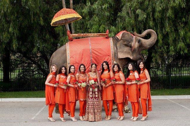 #BridesMaids #bridesmaidsdresses #Beautiful #Bollywood #Style #Indian #wedding #bride #marriage #shadi #india #Orange #dulhan