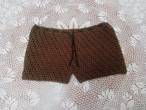 Pantaloncini donna a uncinetto - Schemi in Italiano - Creatività Organizzata