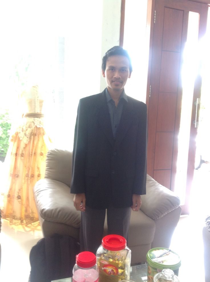 Fitting jas, ya Allah kurusnya diriku. Semoga tetep sehat selalu  #semogaagakgemuk #fitting #jas