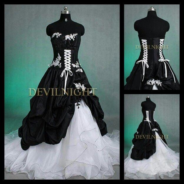 Beautiful Gothic wedding dress i absolutely love it
