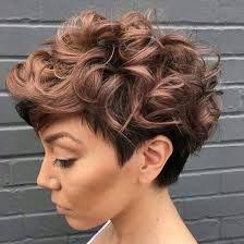Znalezione obrazy dla zapytania krotkie fryzury włosy krecone
