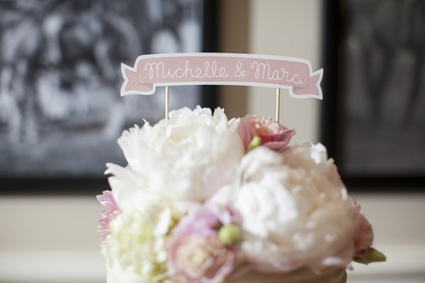banner cake topper   Photography by lovemedophotography.com