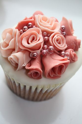 flowers and pearl cupcake - how cute would this be with white pearls, red and buff roses!!?