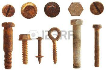 screw bolt: Rusty tornillos y pernos aislados en blanco