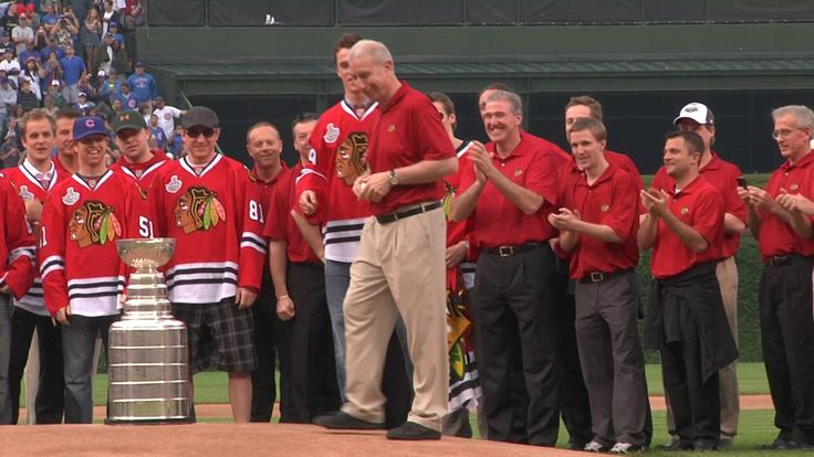 Relive the Blackhawks' trip to Wrigley Field during the 2010 Crosstown Classic.
