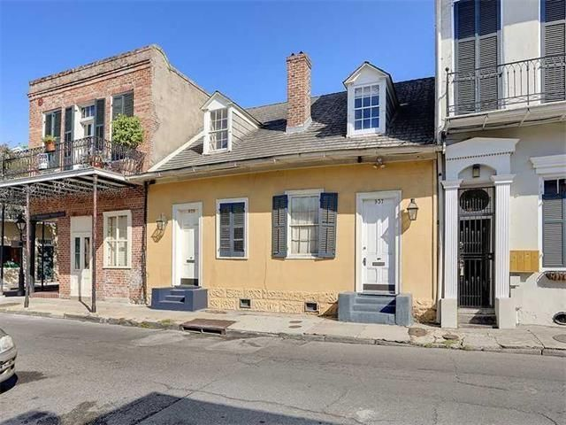 For Sale - See photos and descriptions of 937 Gov Nicholls St #7, New Orleans, LA. This New Orleans, Louisiana Single Family House is 1-bed, 2-bath, listed at $460,000  MLS# 2066198. Casas de venta en New Orleans, LA.