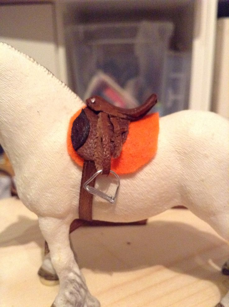 Made this brown leather saddle for my fell pony yesterday. For more tack visit my Instagram @hobby_schleich