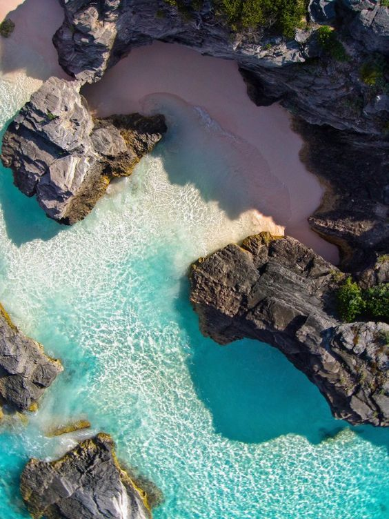 Horseshoe Bay, Bermuda. Who would rather be here?