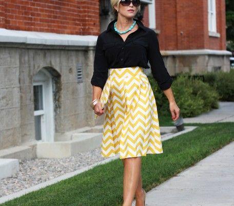 Size S please!Vie Petite, Style, Clothing, Yellow Skirts, Chevron Skirts, La Vie, Work Outfit, Yellow Chevron, Chevron Stripes