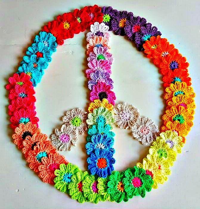 Color rocks my World          Dit zijn de kleuren die ik heb gebruikt voor mijn Mexicaanse Deken. De kleur van de basis grannie (linksb...
