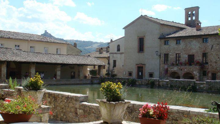Bagno Vignoni, main square - Tuscany