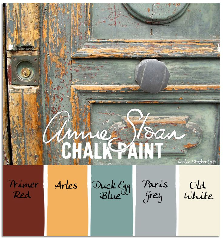 A door located in Arles, France, shows the Annie Sloan Chalk Paint color named in its honor. A Duck Egg Blue is layered on top.
