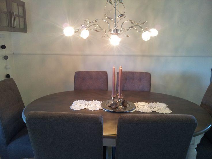 Min #spisestue#. #Victoria# bord fra #Bohus# og #Andora# lampe fra #Lampehuset#.