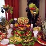 Decoratiuni nunta , Aranjamente florale , Bufete de fructe cu sculpturi in fructe   e Nunti este pentru tine