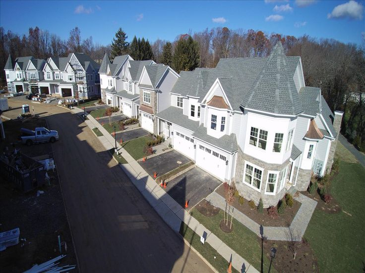 Warren Crossing is thirty-five (35) new townhomes built on Parkview Drive, a cul-de-sac in desirable Warren Township. Each new home features three (3) bedrooms, two and one-half (2 ½) bathrooms, stone countertops, high-end appliances, full-height basements, two-car garages as well as many other luxury appointments.  Pre-Construction Starting at $797,000  http://warrencrossing.com/