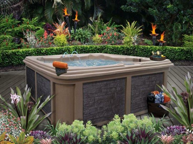 whirlpool im garten - stilvolles design im natur-look | sauna, Terrassen ideen