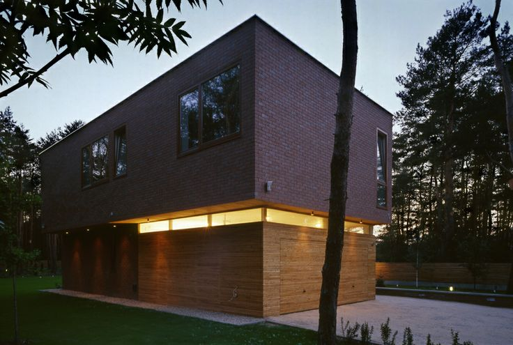 Single Family House, H8  location: Warsaw's surroundings  project: 2004-06