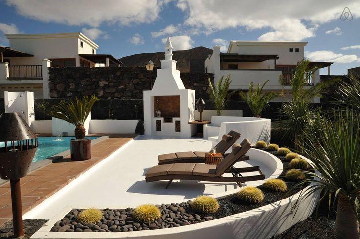 Échale un vistazo a este increíble alojamiento de Airbnb: Villa Calero Lanzarote en Yaiza