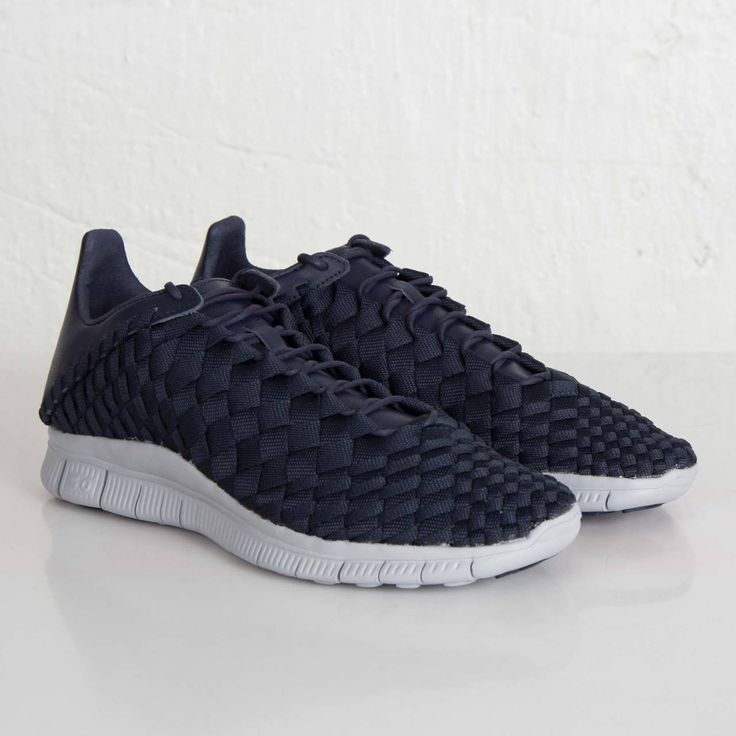 This is definitely one of the better sneaker releases today. The sneaker  shown is the Nike Free Inneva Woven SP featured in mostly Obsidian and Wolf…