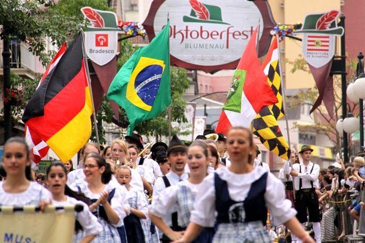 Oktoberfest Blumenau: curta o evento com voos a partir de R$ 290 :: Jacytan Melo Passagens