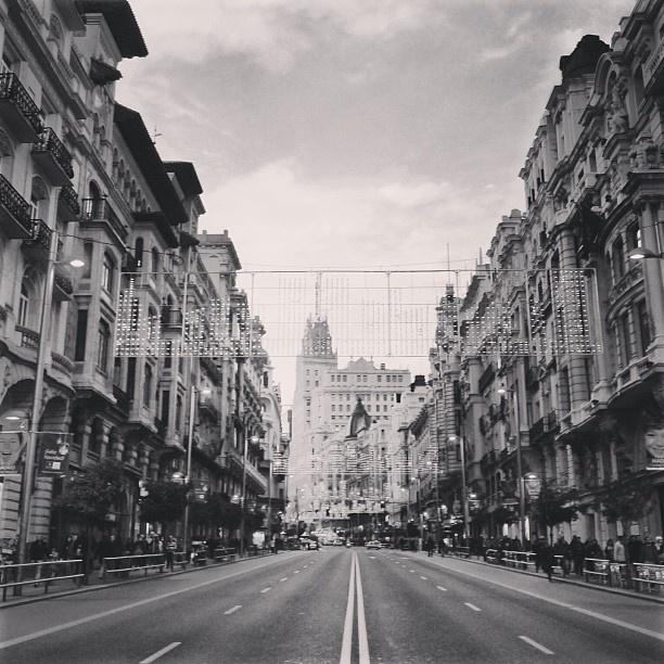 Madrid,Como te hecho de menos!!!Madrid I miss you a lot!  #madrid #madridmemola #MMM_bn #lovelyview #granvia #granviamadrid #granviastreet #madrid2020 #ilovespain #ilovemadrid #madridhistorico #madridforever #demadridalcielo #madridcentro #spainthebest #Padgram