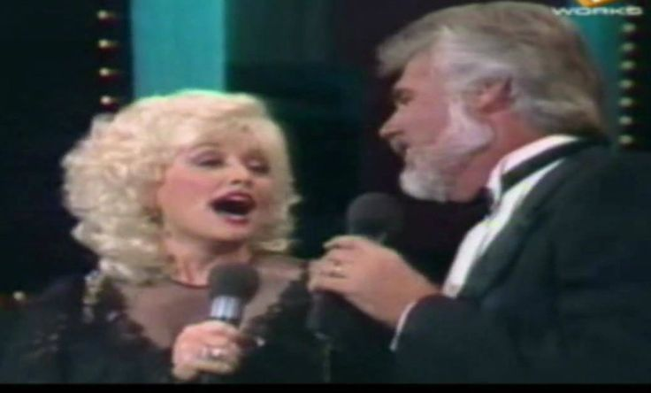 Kenny Rogers and Dolly Parton – 'Islands In The Stream' (Live) | Remember Country Music?