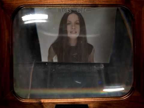Alanis Morissette - Hands Clean (Video)
