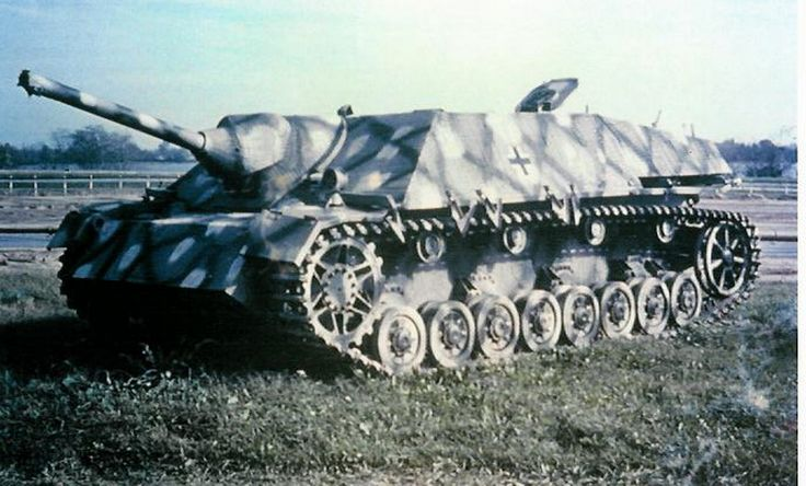 """Jagdpanzer-lV/70: The zero-series, in comparison with the serial production vehicles, had a different """"pig-snout"""" mantlet shape and frontal armour rounded corners. During production, the armor plates were assembled in the same manner as for the Pz.Kpfw.IV increasing the strength of their joints. 2000 were built between 1944-1945."""
