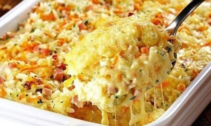 Chutné a připravené za pár minut. Pečená rýže se šunkou a sýrem.