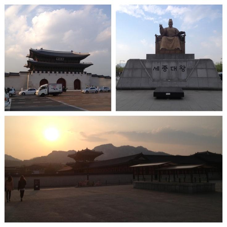 Liten dagstur på Seouls gator som bjuder på mer än bara skyskrapor. Gamla byggnader och tempel finns att hitta lite här och där runtom i stan. Sjukt stort museum under(!) statyn föreställandes kungen som enade Korea.
