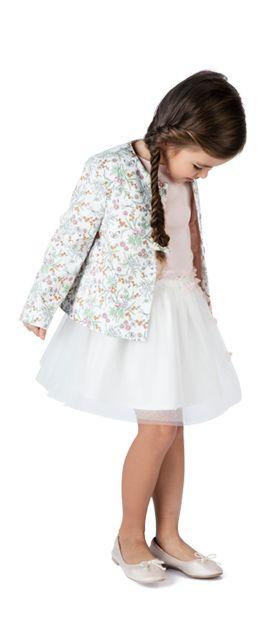 Petit haut rose pâle, jupe blanche, veste à fleurs de printemps Sergent Major, en piqué de coton doublé, et structurée aux épaules, pour une tenue habillée, parfaite pour les mariages ou les fêtes de printemps