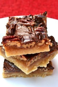 Pecan Turtle Bars Pecan Turtle Bars are made with a buttery shortbread crust, filled with a toffee caramel and pecans and then topped with chocolate. - Recipes Food and Cooking