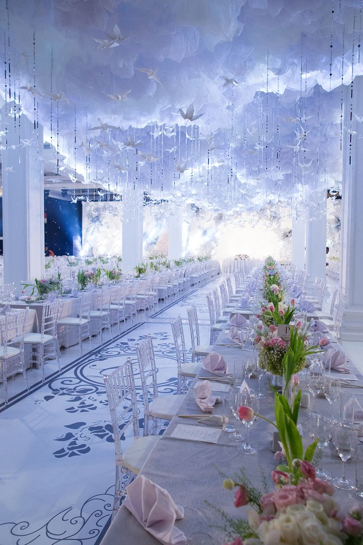 On cloud 9 looking at these photos of Jimmy and Dora's heavenly wedding decorated with paper cranes! Traditionally a symbol of loyalty, don't you think they're the perfect way to honour the union between husband and wife? {Facebook and Instagram: The Wedding Scoop}