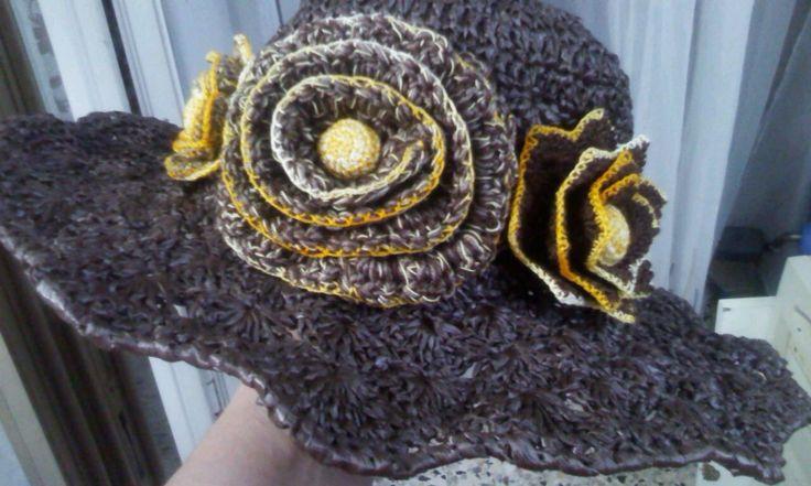 cappello in rafia