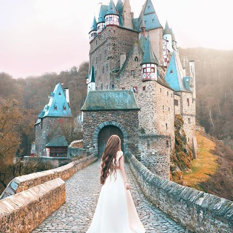 The same family has been living in this castle for over 30 generations 😮It's one of the smaller and more down to earth looking ones I've seen so far in Europe. That's also what makes it the most beautiful 💕 - For those asking about my hair colour, I use Wella Koleston Perfect in shade 10/16 with 40 vol developer. The colour is called Lightest Blonde/Ash Violet but it appears a warm brown on my naturally black hair. I dye it twice to lift my hair to the current shade you see in my photos…