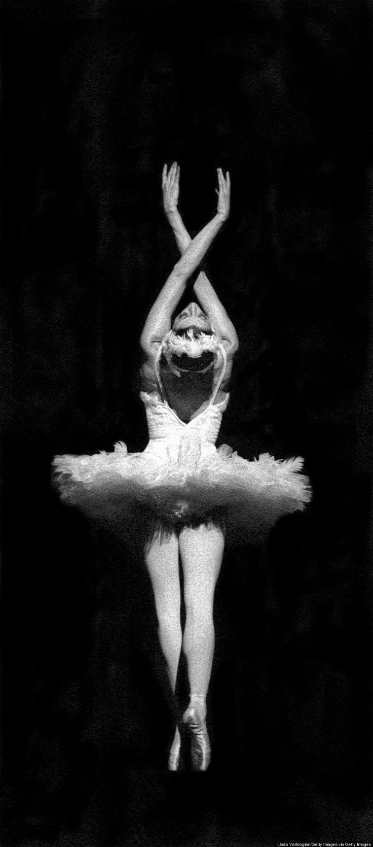 """ussian ballet dancer Maya Plisetskaya performs Mikhail Fokine's """"The Dying Swan"""" with the Stars of the Bolshoi Ballet at the Metropolitan Opera House at Lincoln Center in New York on September 21, 1974. (Photo by Linda Vartoogian/Getty Images)"""