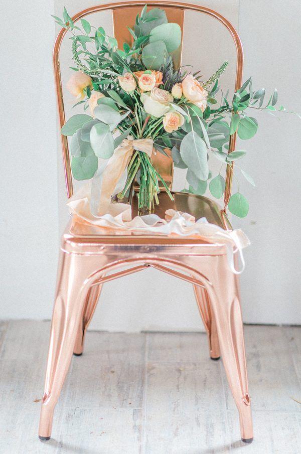 peach wedding colors - photo by Mikaela Marie Photography http://ruffledblog.com/peach-and-copper-wedding-inspiration