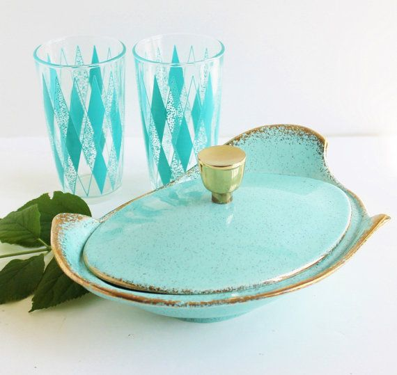Vintage Atomic Aqua Casserole / Ceramic Lidded Dish Bowl / Robins Egg ...beautiful!!