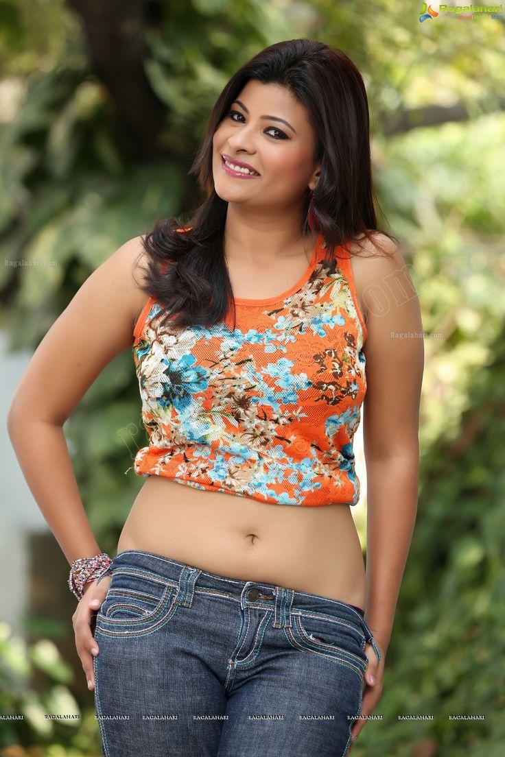 Model Actress Veena Vijender Panty Strap Show Indian