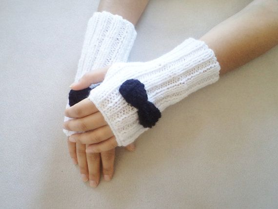 Hey, I found this really awesome Etsy listing at http://www.etsy.com/listing/165552966/mittens-women-accessories-fingerless