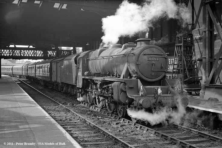 14/09/1963 - Manchester Victoria.   Two views of double-chim…   Flickr