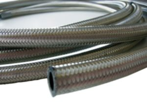 Our stainless steel braided hoses are the perfect solution for oil, fuel, carburettor, water and vacuum lines. The excellent bend radius means you can create the ideal lines for you. These hoses are double braided, meaning they are capable of withstanding high pressures.